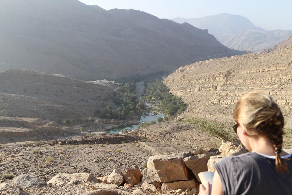 Frühstück mit Blick über Wadi Bani Khalid