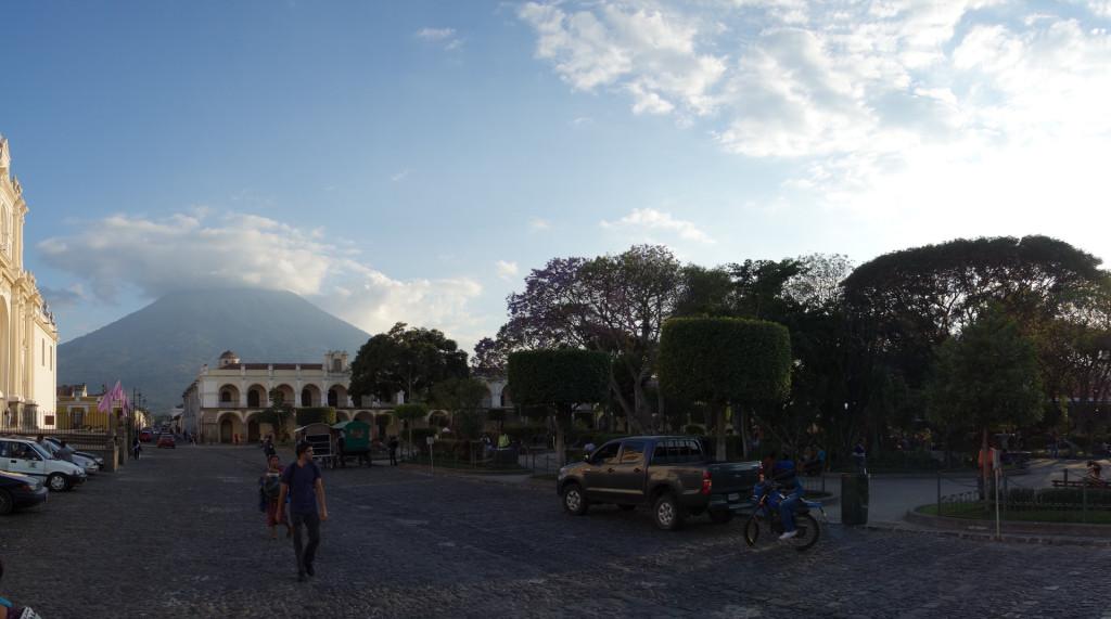 Der zentrale Platz in Antigua Guatemala.
